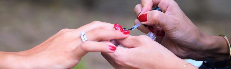 Na pomoc paznokciom
